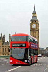 un autobus a due piani Borismaster con il Big Ben sullo sfondo
