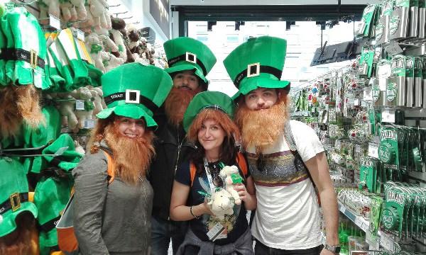 abbigliamento verde per la Festa di San Patrizio