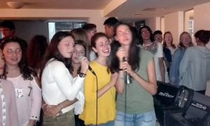 Orange-Karaoke