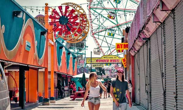 Ragazzi a Coney Island