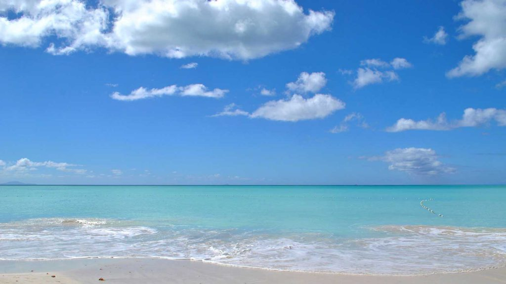 spiaggia-caraibi-antigua