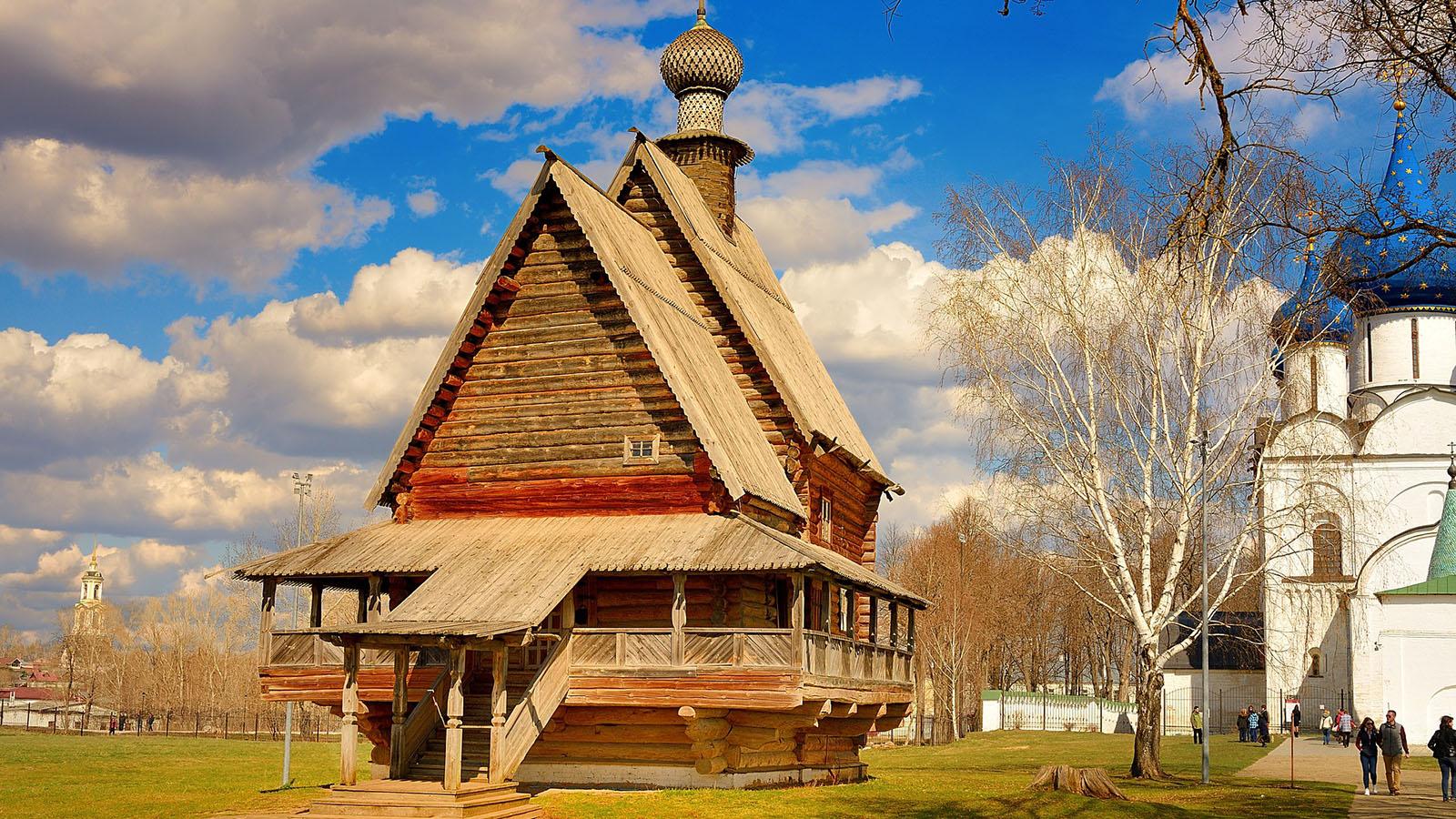 Estate INPSieme Senior Tour della Russia abitazione tipica a Suzdal