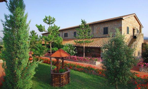 Estate INPSieme in Toscana all'Hotel Fattoria Belvedere con Orange Viaggi