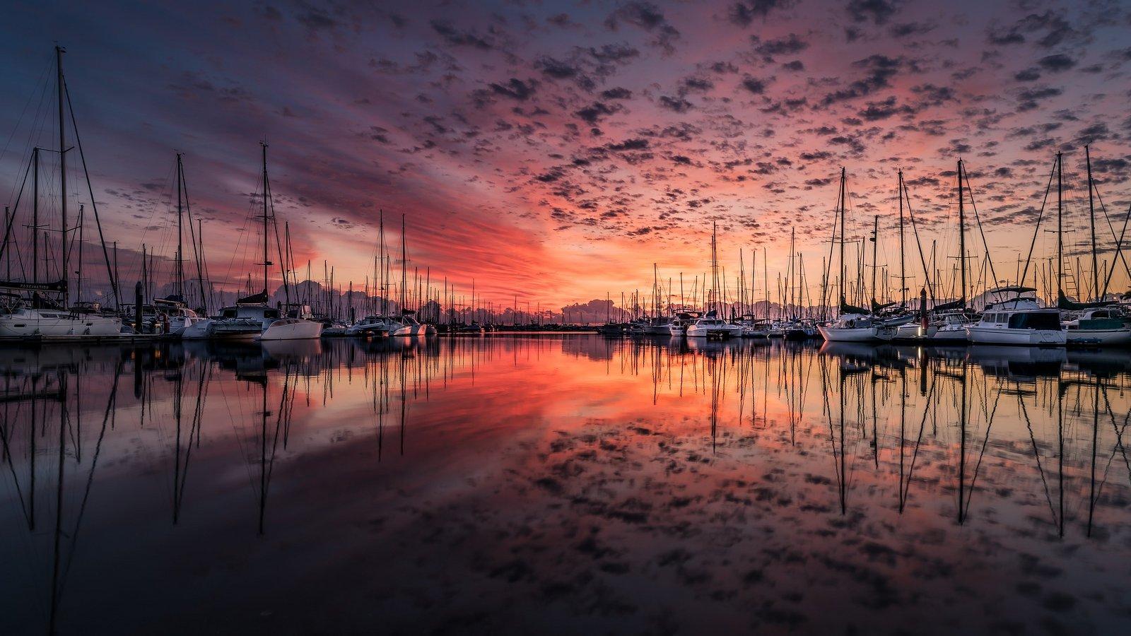 Vacanze in barca tramonto